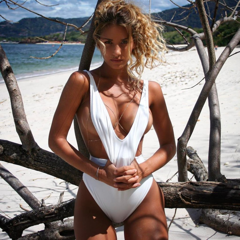 Sierra Skye Mondays Manisfaction